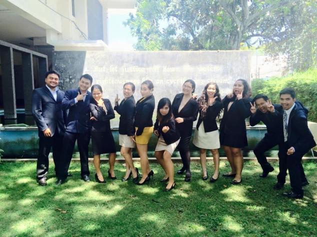 Aaaaaaaand a photo of my Consti 2 moot court groupmates and I.